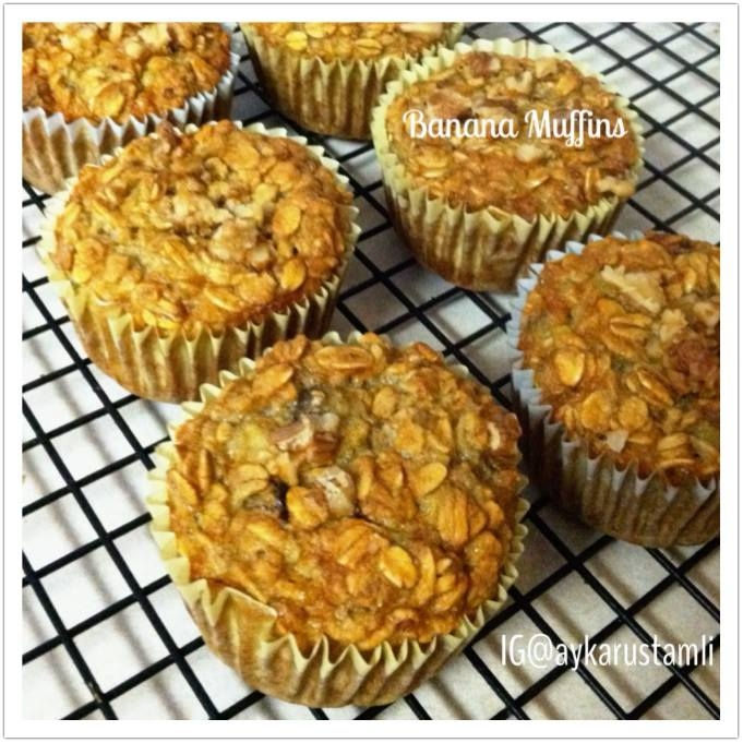 Ripped Recipes - Easy Banana Muffins