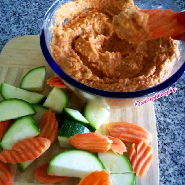 Ripped recipes spicy roasted red pepper hummus for Roasted red pepper hummus recipes