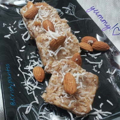 Almond - Coconut Freezer Bars