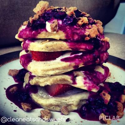 Berry Protein Cheesecake Pancakes