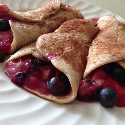 Cinnamon Banana Berry Crepes