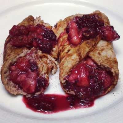 Cinnamon Banana Berry Protein Crepes