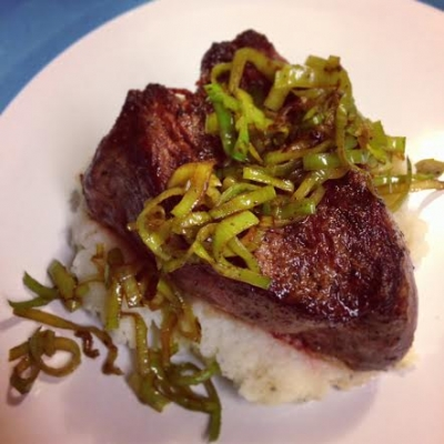 Filet Mignon With Caramelized Leeks