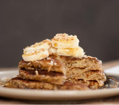 Flourless + No-Milk Banana Pancakes