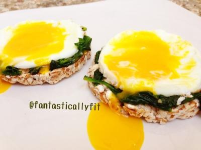 Garlicky Spinach Egg Sammies