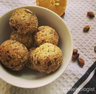Lemon & Pistachio Protein Bites