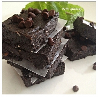 Mint Chocolate Chip Brownie Bars