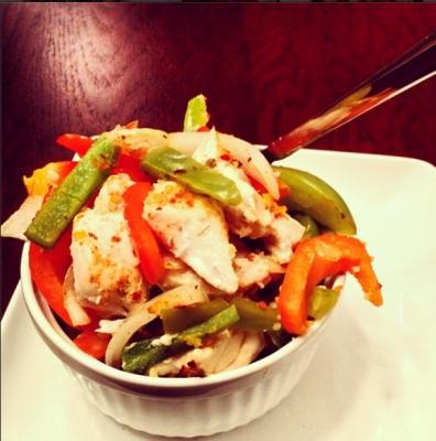 Oven-Baked Spicy Garlic Chicken Fajita Bowl.