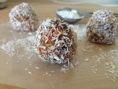 Paleo Coconut Carrot Cake Balls