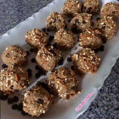 Pretzel Covered Pb and Dark Chocolate Protein Bites