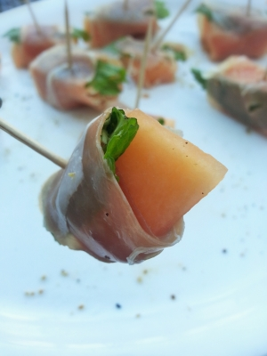 Prosciutto-Wrapped Melon Bites