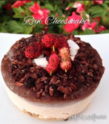 Raw Vanilla and Chocolate Cheesecake