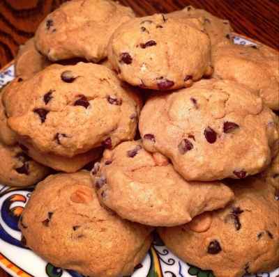 Soft Bake Chocolate and Peanut Butter Chip Cookies