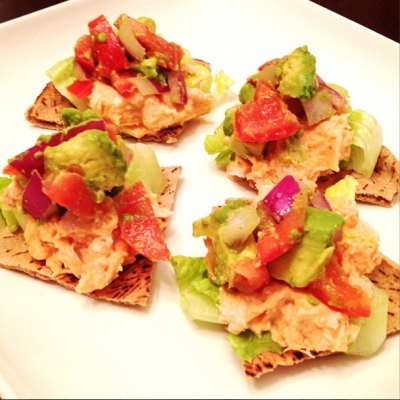 Spicy Tuna Avocado Crisps