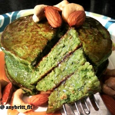 Spinach Banana Protein Pancakes