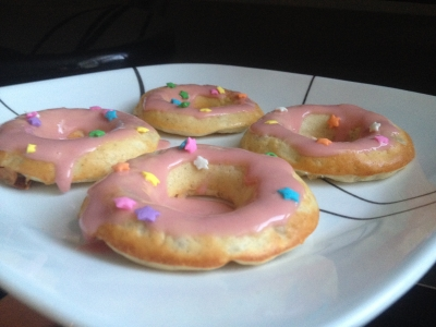 Strawberry Banana Protein Donuts