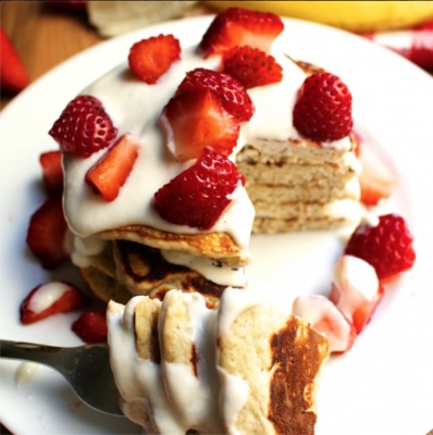 Strawberry Banana Protein Pancakes