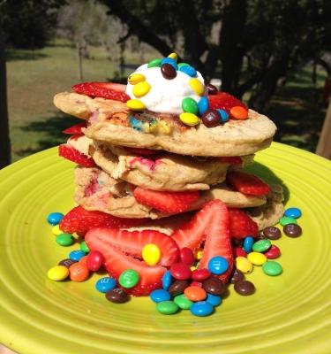 Strawberry M&M Funcakes
