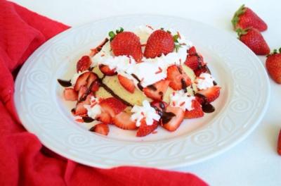 Strawberry Shortcake Mugcake